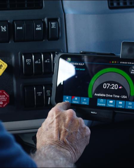 CCJ Innovator_ Heniff Transportation uses BI to engage drivers, customers